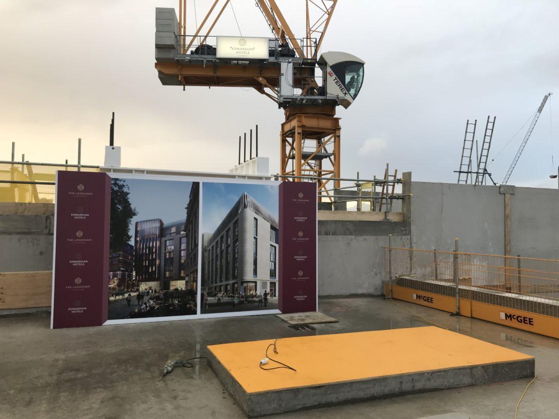 Roof terrace – Presentation display